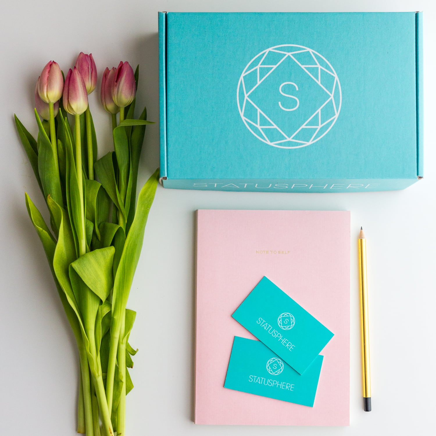 Influencer Gifting vs Paid Collaborations